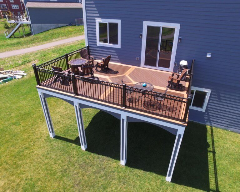Three Ideas For Decorating A Wooden Deck